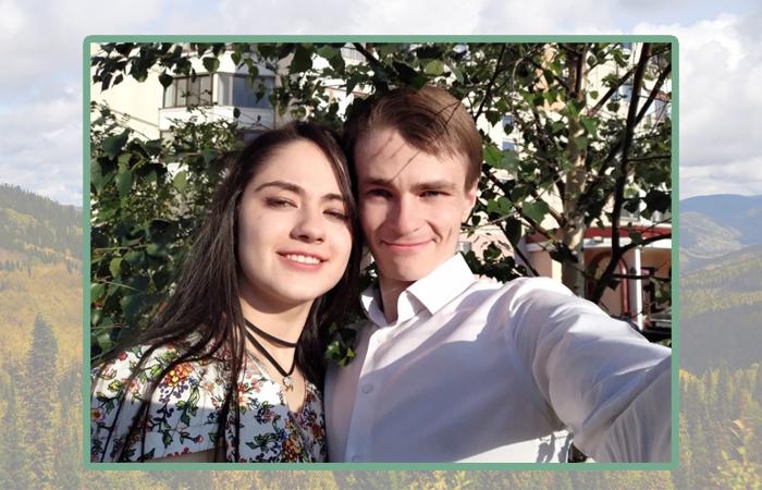 Оджан Наумкин с любимой девушкой.