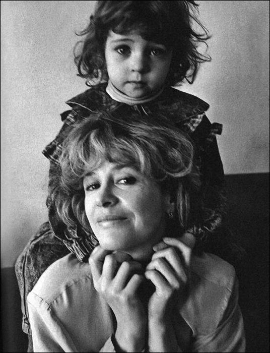 Марина Неёлова с дочкой Никой. / Фото: www.ribalych.ru