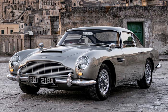Aston Martin DB5. / Фото: www.maxim.com