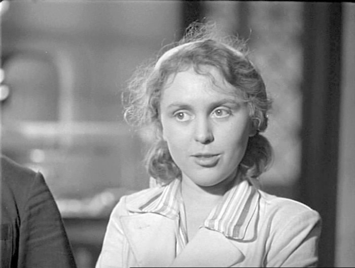 Валентина Караваева в фильме «Будни». / Фото: www.kino-teatr.ru