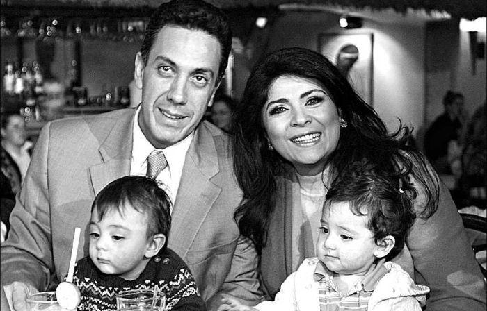 Виктория Руффо и Омар Файяд с детьми. / Фото: www.ravepad.com