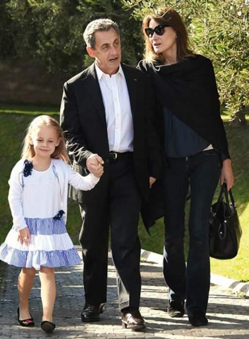 Николя Саркози и Карла Бруни с дочерью. / Фото: www.dayonline.ru