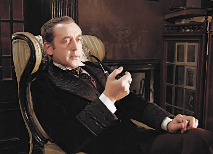 Василий Ливанов в роли Шерлока Холмса. / Фото: www.argumenti.ru
