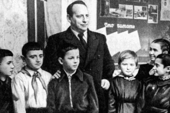 Евгений Шварц с детьми. / Фото: www.sovetunion.ru