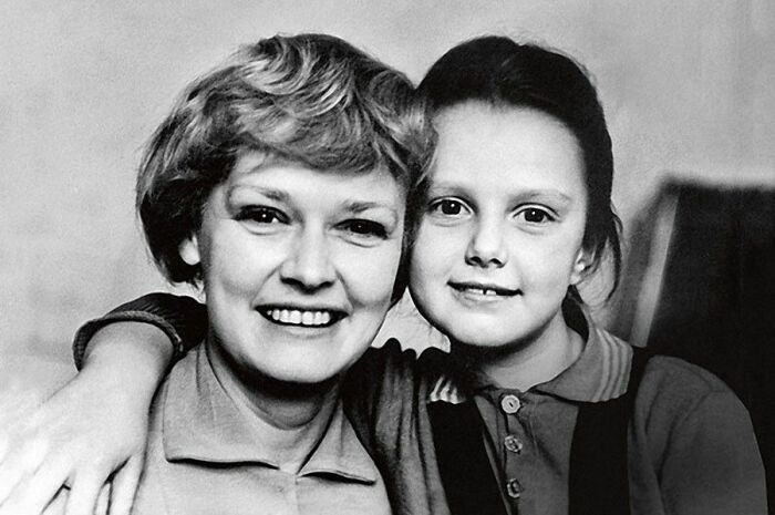 Нина Гребешкова с дочерью Оксаной. / Фото: www.pinimg.com