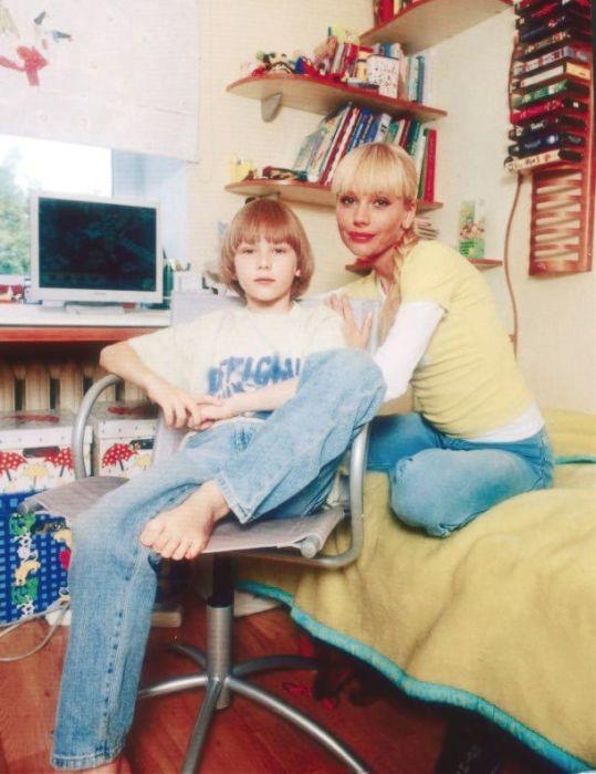 Елена Корикова с сыном. / Фото: www.irma-stream.ru