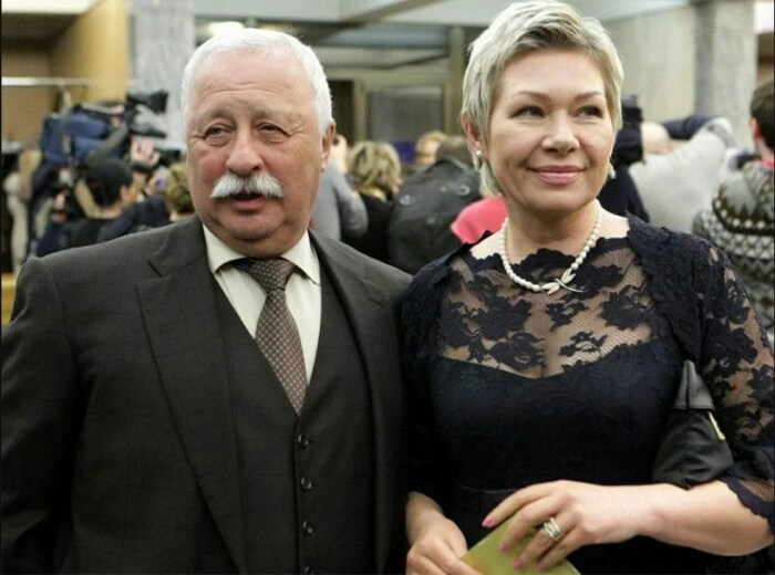 Леонид Якубович с женой Мариной. / Фото: www.yandex.net