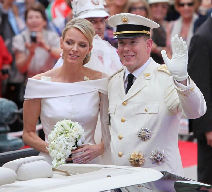 Шарлен Уиттсток и князь Альбер II. / Фото: www.woman.ru