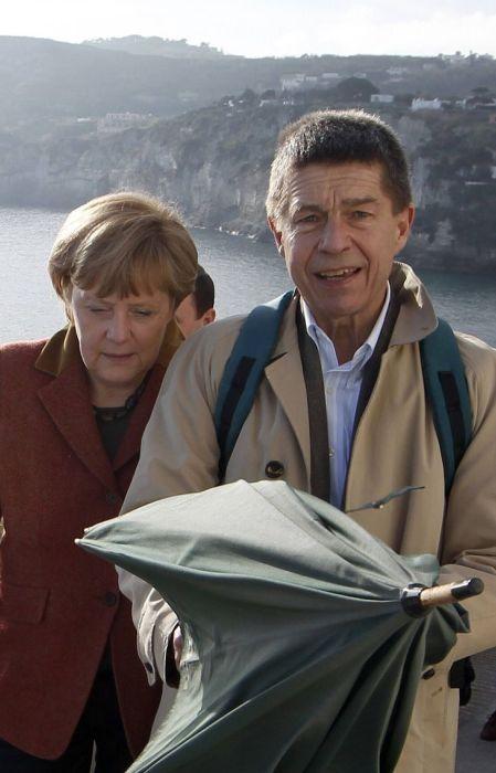 Ангела Меркель и Иоахим Зауэр на итальянском острове Искья. / Фото: www.spiegel.de