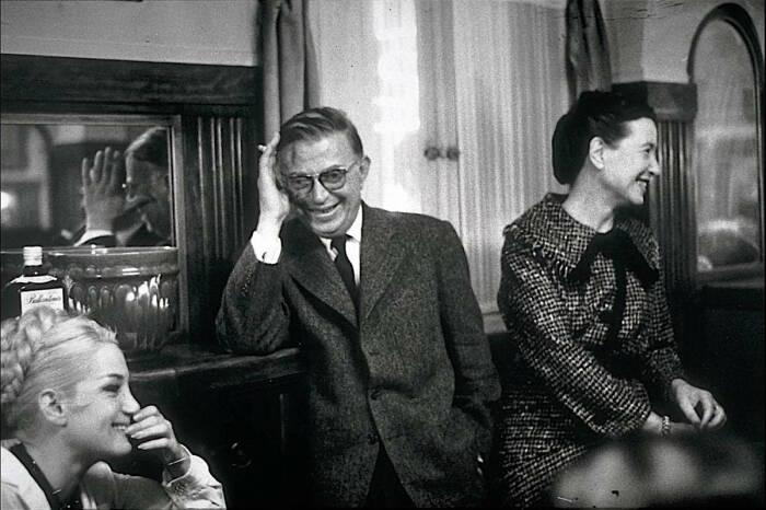 Жан-Поль Сартр и Симона де Бовуар. / Фото: www.pijamasurf.com