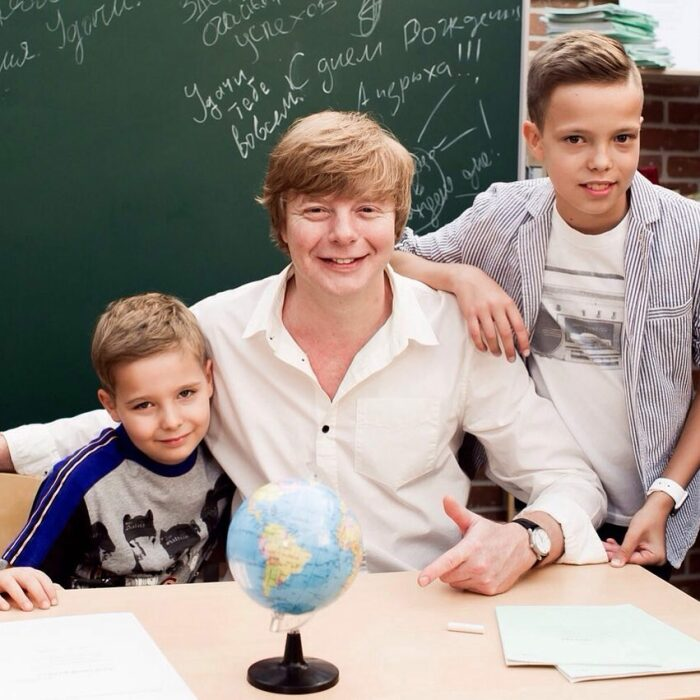 Андрей Григорьев-Аполлонов с сыновьями. / Фото: www.mtdata.ru
