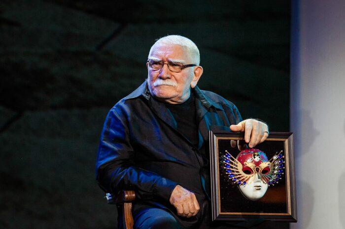 Армен Джигарханян. / Фото: www.kino-teatr.ru