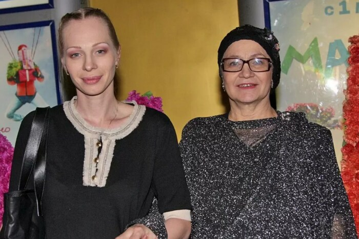 Олеся Рудакова и Нина Русланова. / Фото: www.kpcdn.net
