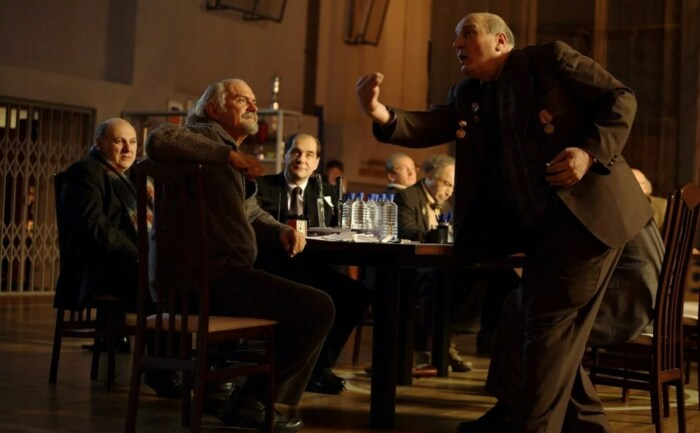 Кадр из фильма «12». / Фото: www.kinopoisk.ru