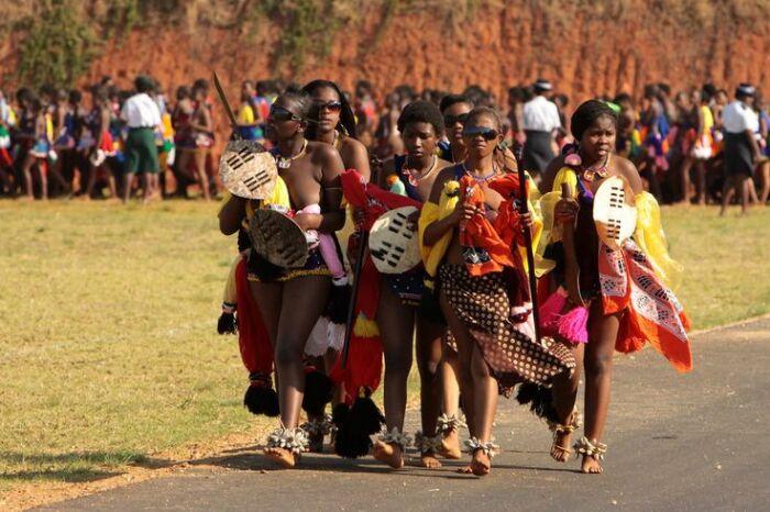 Женщинам в Свазиленде запрет не нравится, но его нарушать нельзя. / Фото: www.pinimg.com
