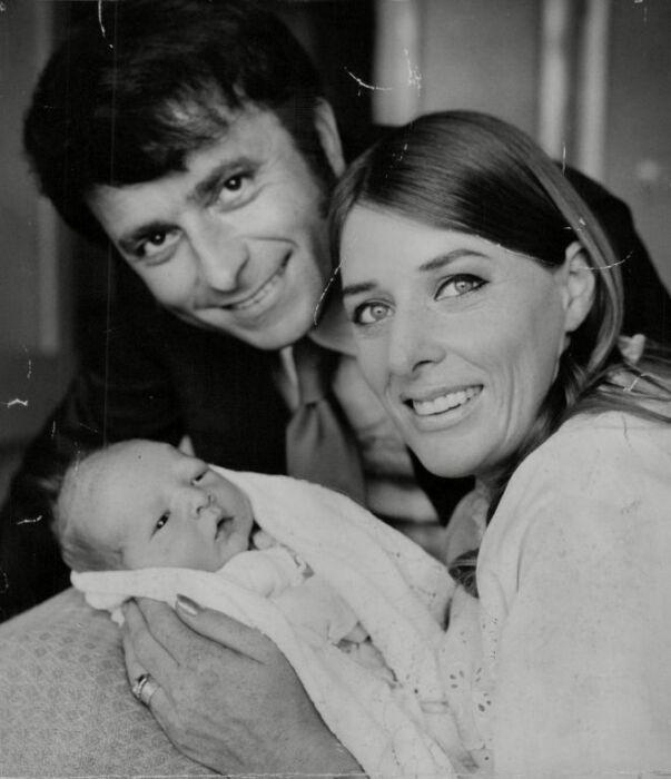 Ким Гроув и Роберто Касали с сыном. / Фото: www.labuda.blog