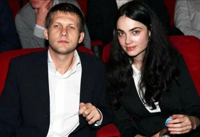 Борис Корчевников и Анна Сесиль Свердлова. / Фото: www.yandex.net