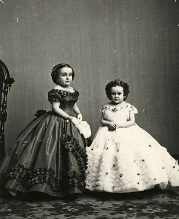 Лавиния и Минни Уоррен. / Фото: www.pinimg.com