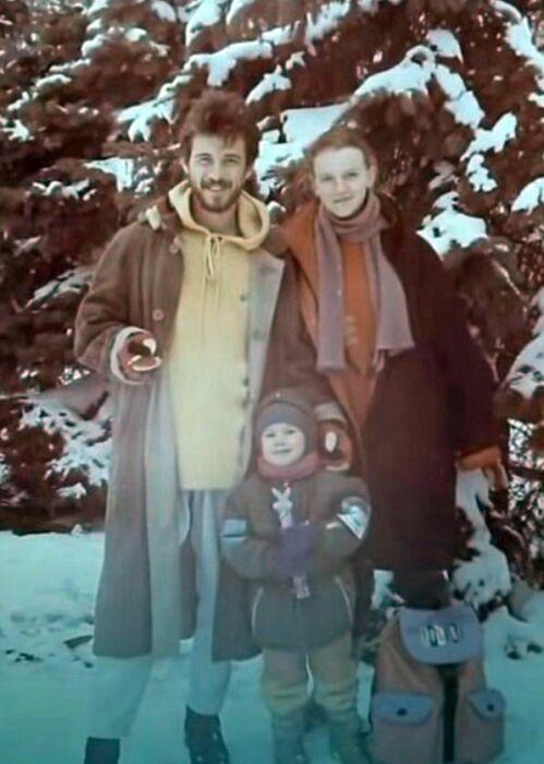 Николай Добрынин и Анна Терехова с сыном Михаилом. / Фото: www.1tv.ru