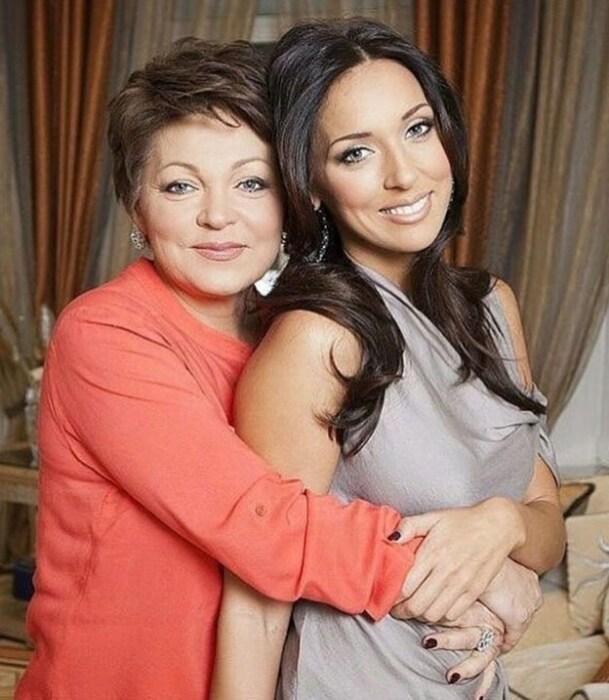Алсу с мамой. / Фото: www.instagram.com