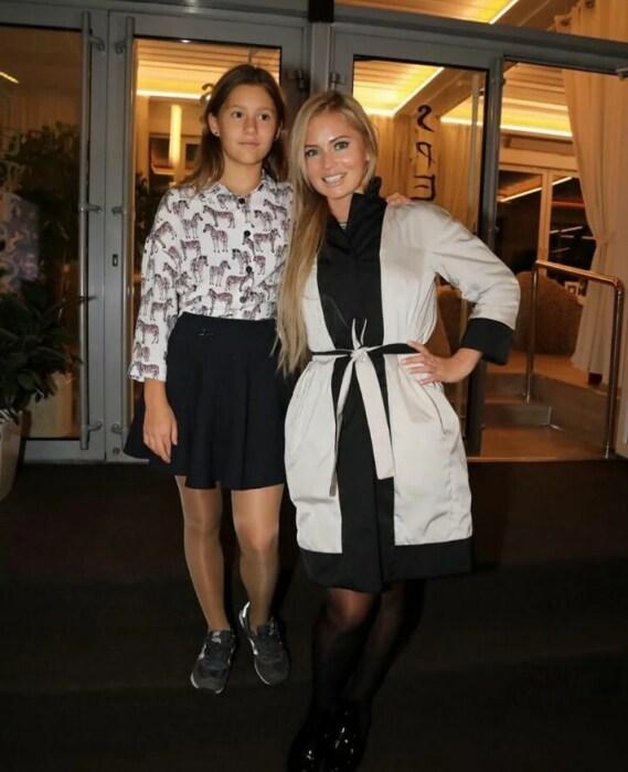 Дана Борисова с дочерью. / Фото: www.yandex.net
