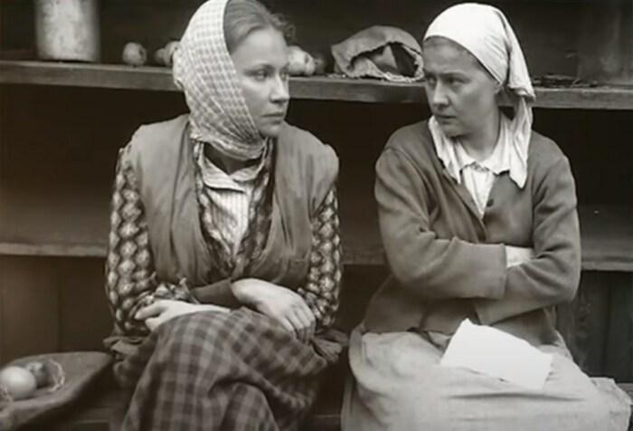 Мария Миронова и Мария Голубкина в фильме «Свадьба». / Фото: www.russia.tv