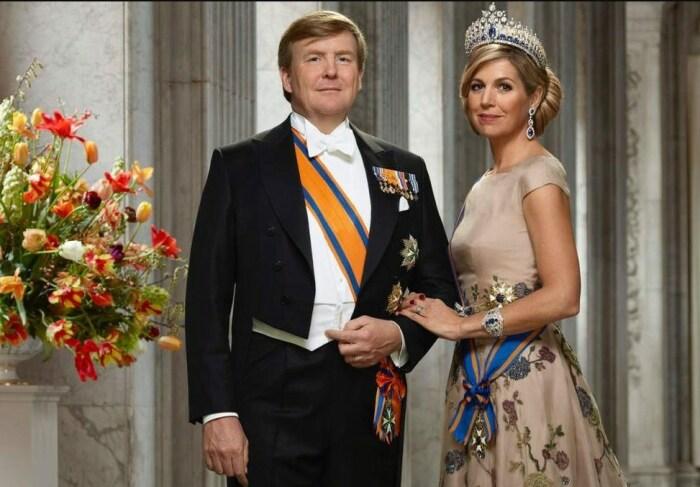 Король Виллем-Александр и королева Максима. / Фото: www.twimg.com