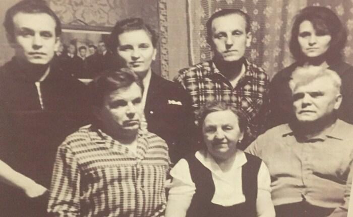 Михаил Водопьянов в кругу семьи. / Фото: www.vesti-lipetsk.ru
