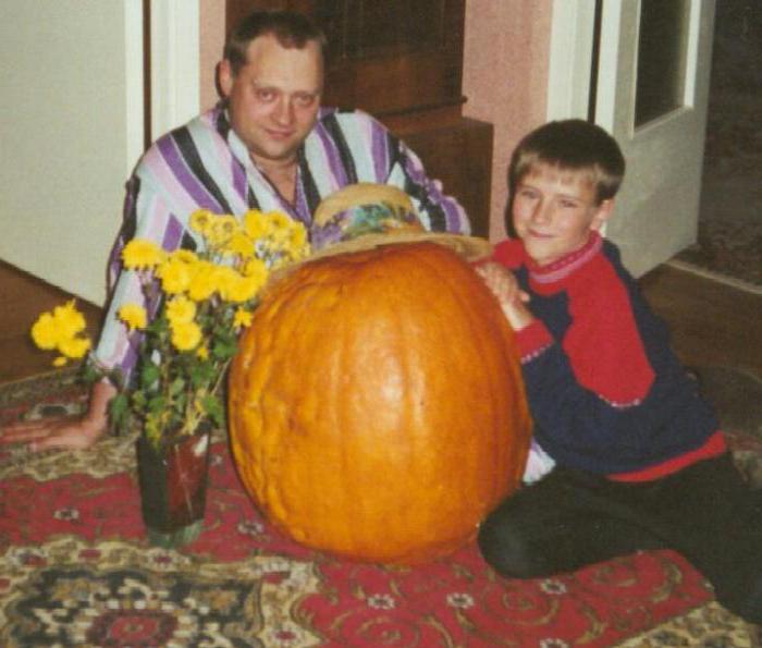 Аркадий Высоцкий с сыном. / Фото: www.triumf-an.ru