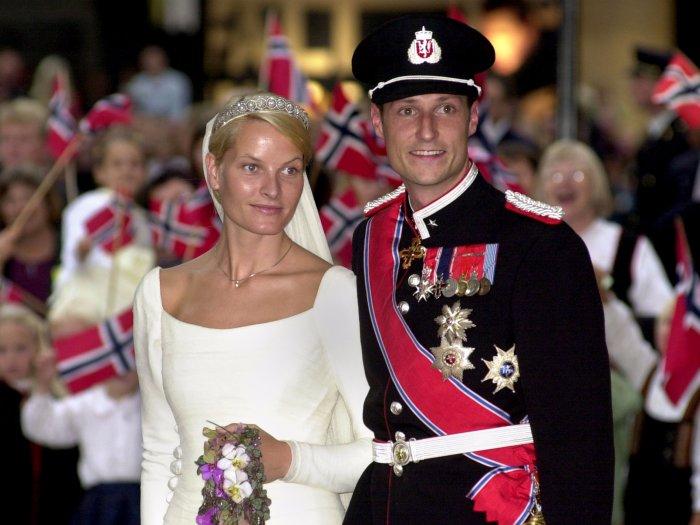 Метте-Марит Хейби и кронпринц Норвегии Хокон. / Фото: www.businessinsider.com