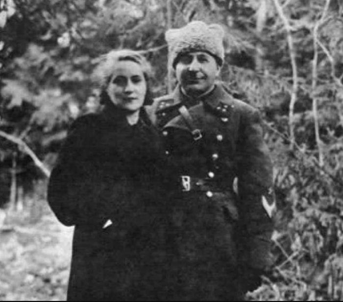 Иван и Тамара Баграмян. / Фото: www.twimg.com