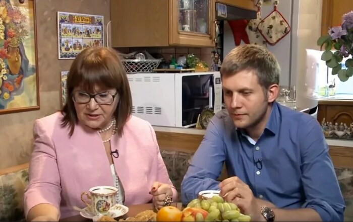Борис Корчевников с мамой. / Фото: www.yandex.net