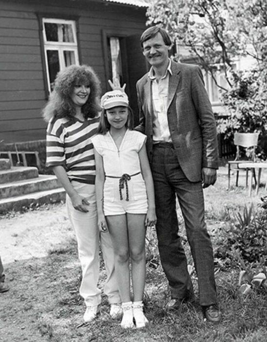 Алла Пугачёва и Миколас Орбакас с дочерью. / Фото: www.just-lady-me.ru
