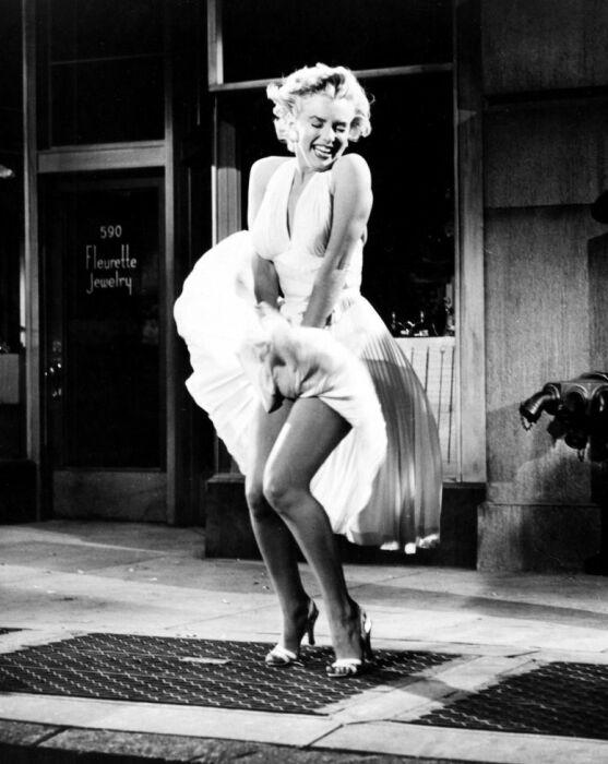 Мэрилин Монро в легендарном платье. / Фото: www.rachel.on.ge