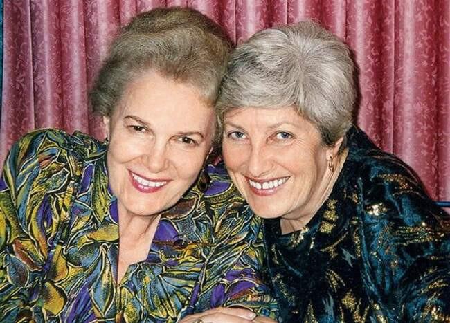 Элина Быстрицкая и София Шегельман. / Фото: www.homsk.com