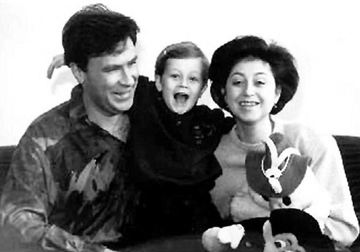 Елена Водорезова с мужем и сыном. / Фото: www.yandex.net
