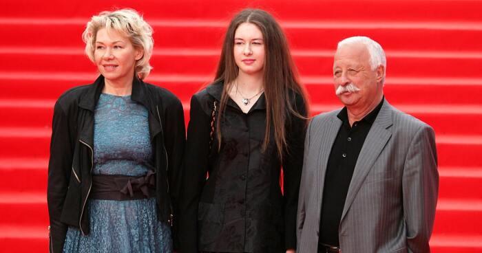 Леонид Якубович с женой и дочерью. / Фото: www.interesnyefakty.org