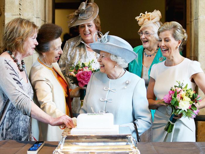 Елизавета II. / Фото: www.fubarradio.com