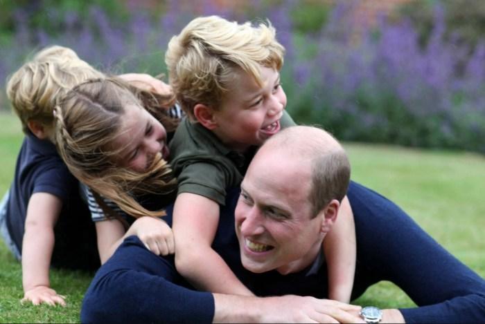 Принц Уильям теперь празднует дни рождения с детьми. / Фото: www.the-sun.com