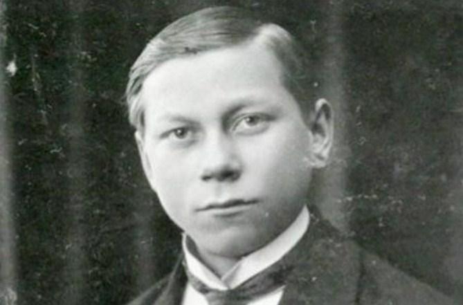 Василий Меркурьев в юности. / Фото: www.biography-life.ru