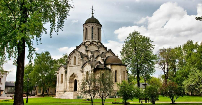 Самый древний храм в Москве