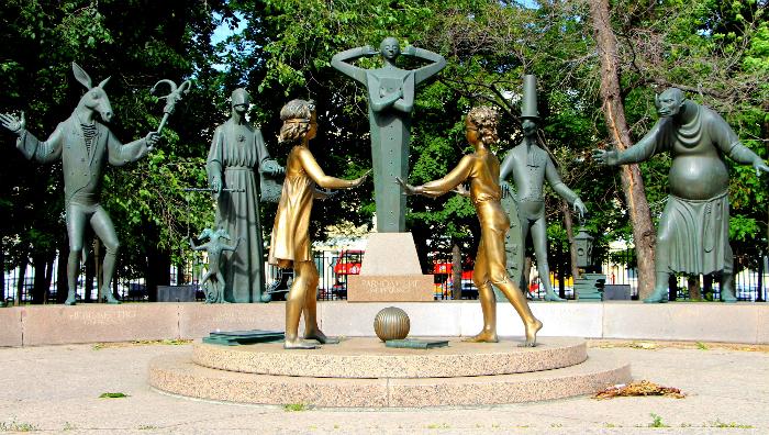Композиция скульптур «Людские пороки»