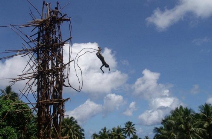 Прыжки с башни в Меланезии