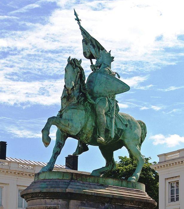 Памятник Готфриду Бульонскому в Брюсселе./agoravox.fr