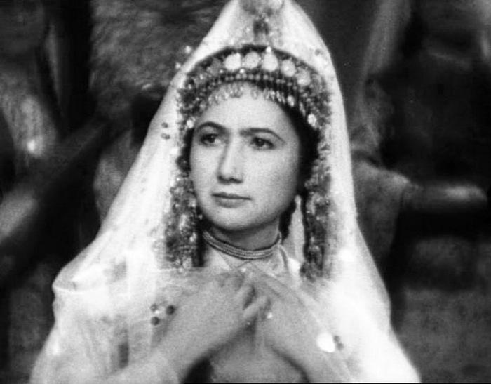 В роли персидской шахини./Фото: https://www.mywebs.su