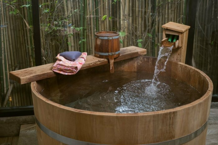 Ванна офуро в Японии./Фото www.idei.club
