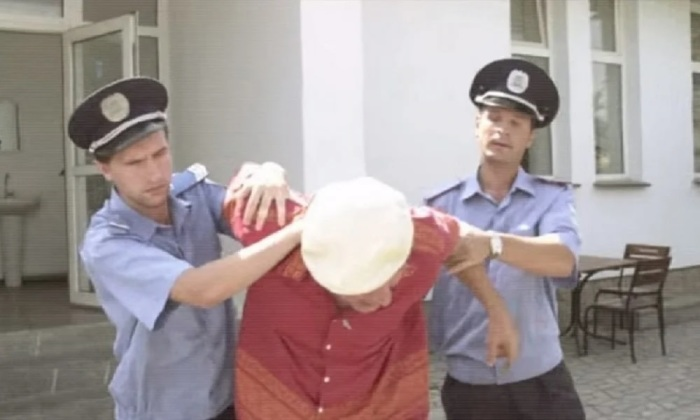 """кадр из фильма """"Сваты"""