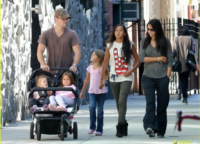 Мэтт Деймон с семьей