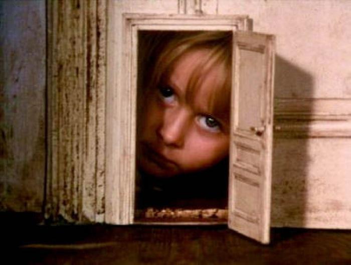 «Алиса», 1988 год, Чехословакия, Швейцария, Великобритания, Германия /Фото источник:kinopoisk.ru