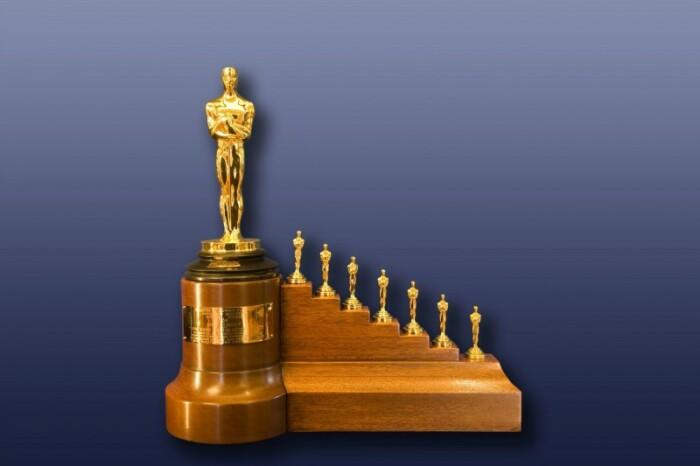 8 статуэток Оскар